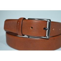 Miguel Bellido: Cinturón piel grabada cuero.