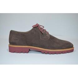 PAREDES: zapatos en piel de serraje.