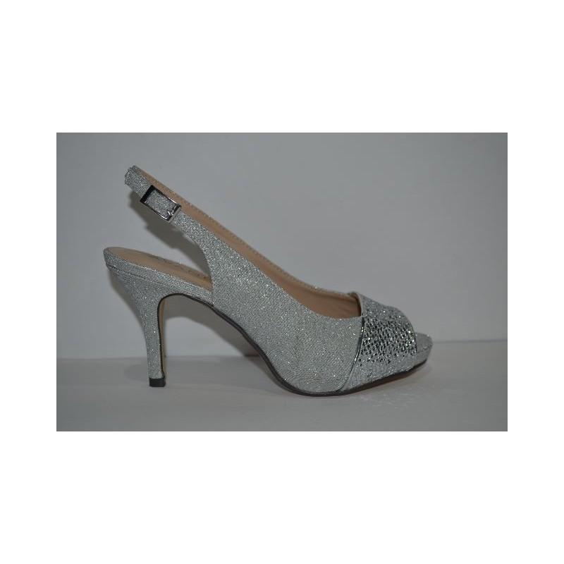 reunirse 561e8 70348 Zapato de fiesta de MENBUR. Elegancia y comodidad. color plata.