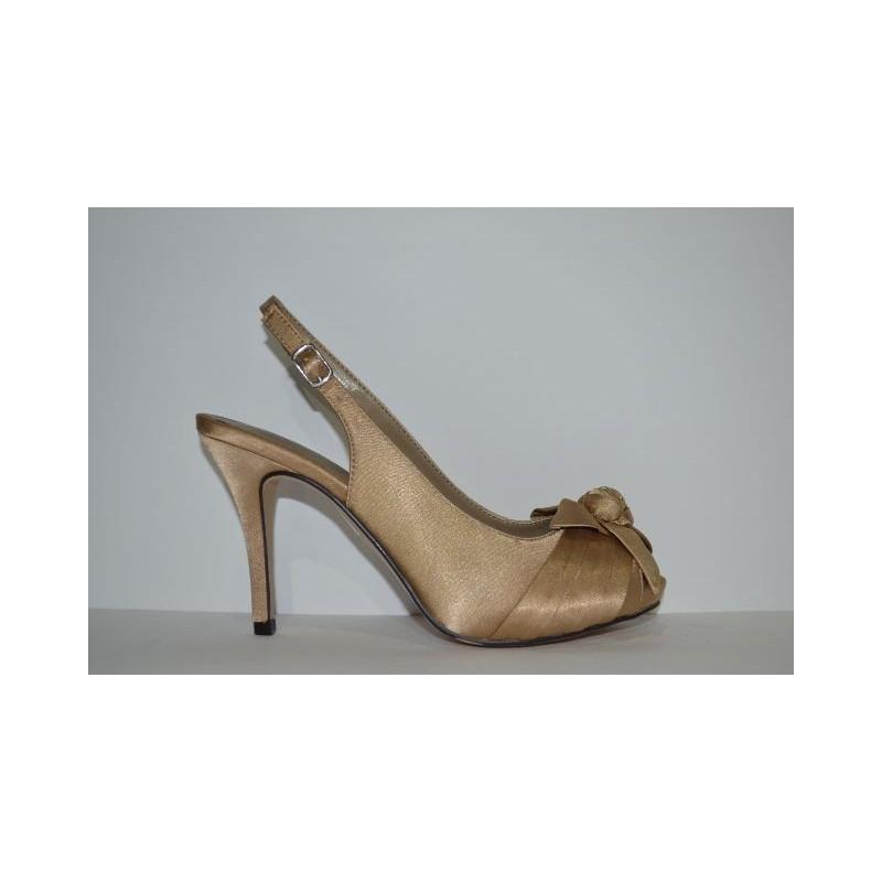 envío gratis 127a5 39186 Zapato de fiesta de Paco Mena. Elegancia y comodidad. color dorado.
