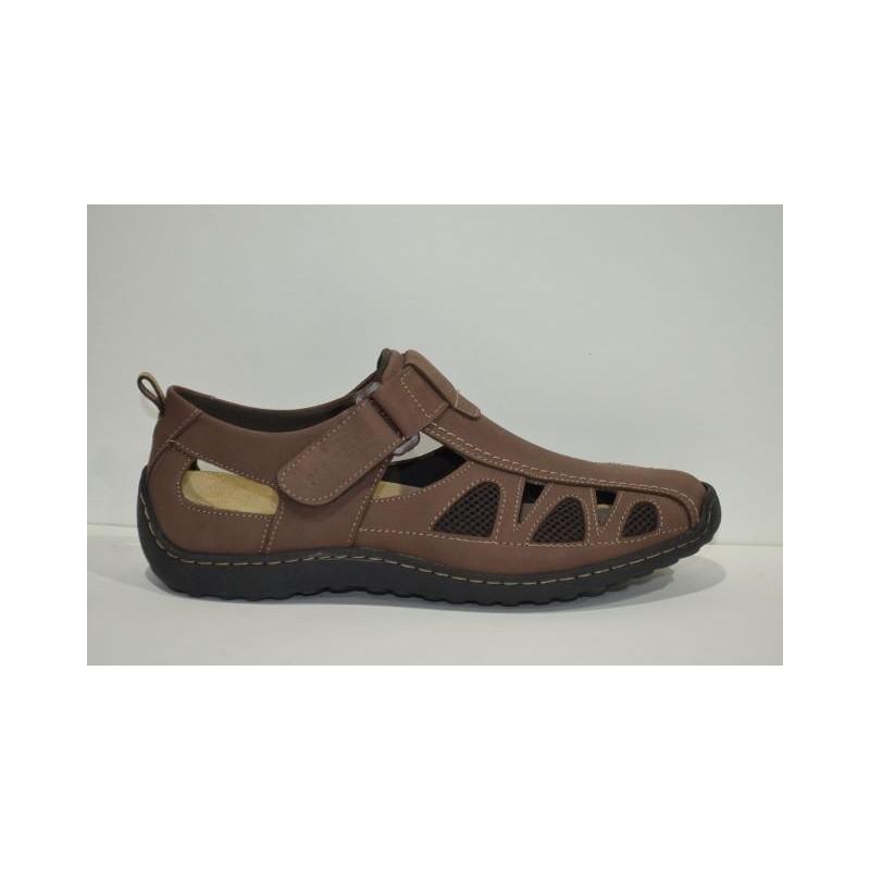 PACO JAEN: Sandalias cómodas.