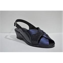 SUAVE: Sandalia de piel de cuña azul.