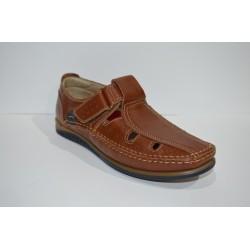 LUISETTI: Sandalias cómodas.