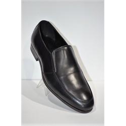 Tolilno: Zapato de piel piso goma.