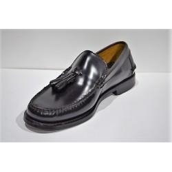 ADOC: Zapato castellano con borlas negro