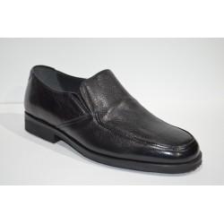 PACO CANTOS: Zapato de piel de ciervo.