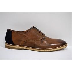PAREDES: Zapato piel de cordones.