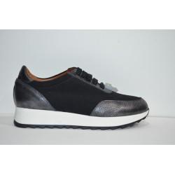 MARROQUÍ SÁNCHEZ: Zapatos deportivos de piel